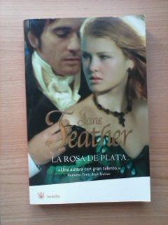 Portada LA ROSA DE PLATA - JANE FEATHER - RBA BOLSILLO